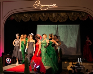 How many cast members can you find in this Binzario Couture fashion show?